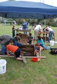 """AAS member Bob Campbell supervising a TON of volunteers during the """"Spring Break Dig"""" on Block 6."""